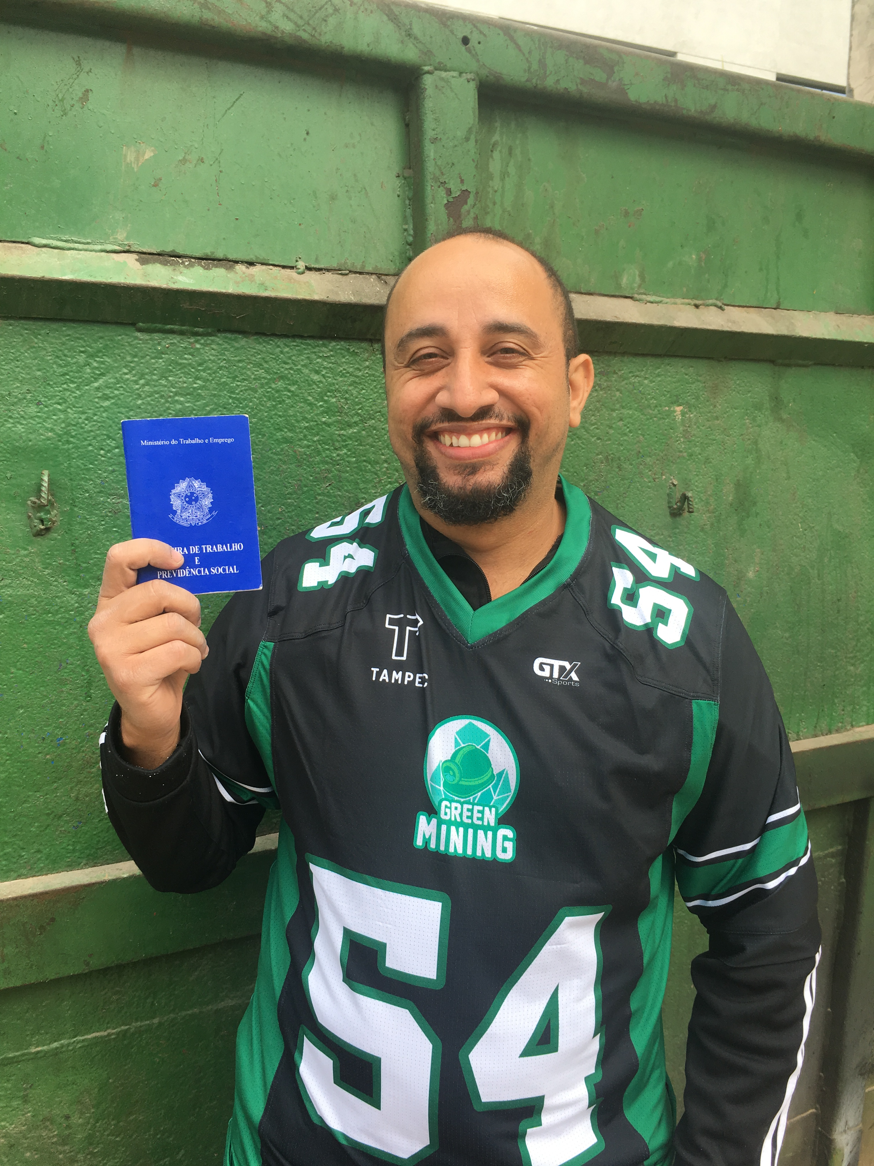 <strong>Felix Pereira da Silva</strong> values his job at Green Mining because he now has his rights guaranteed and can continue working as an application driver for the rest of the day.